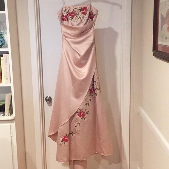 Jodi Kristopher Dresses Floral Embroidered Champagne Color Formal